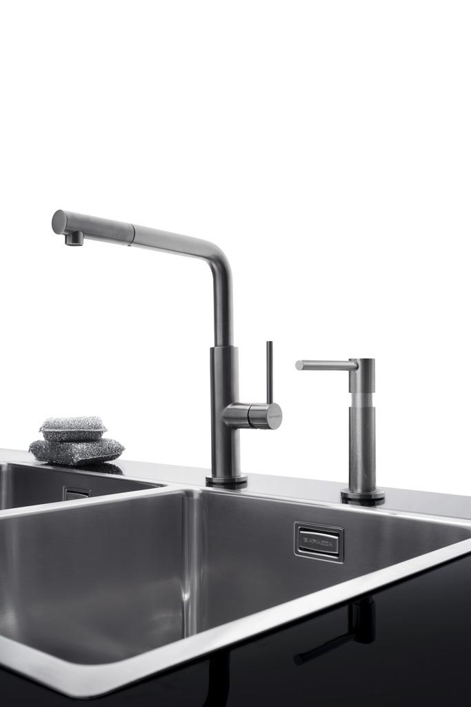 Dispenser Up e rubinetto Officina Doccia finitura inox satinato