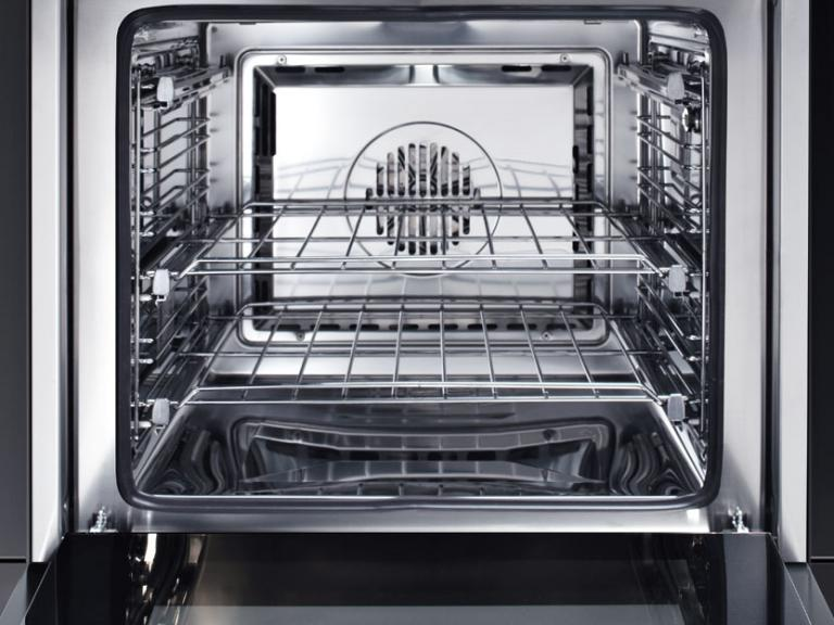 Stainless steel oven lining