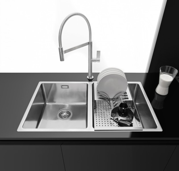 The new Spring and Flexi mixer taps