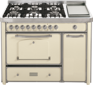 123 cm cooker with 4 gas, 2 triple rings and Fry Top hob
