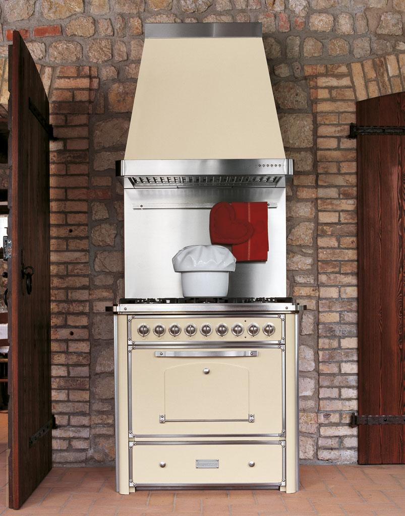 Cucine A Gas Stile Country Prezzi.Classica Cucine Classiche E Rustiche Dal Sapore Tradizionale Barazza Srl